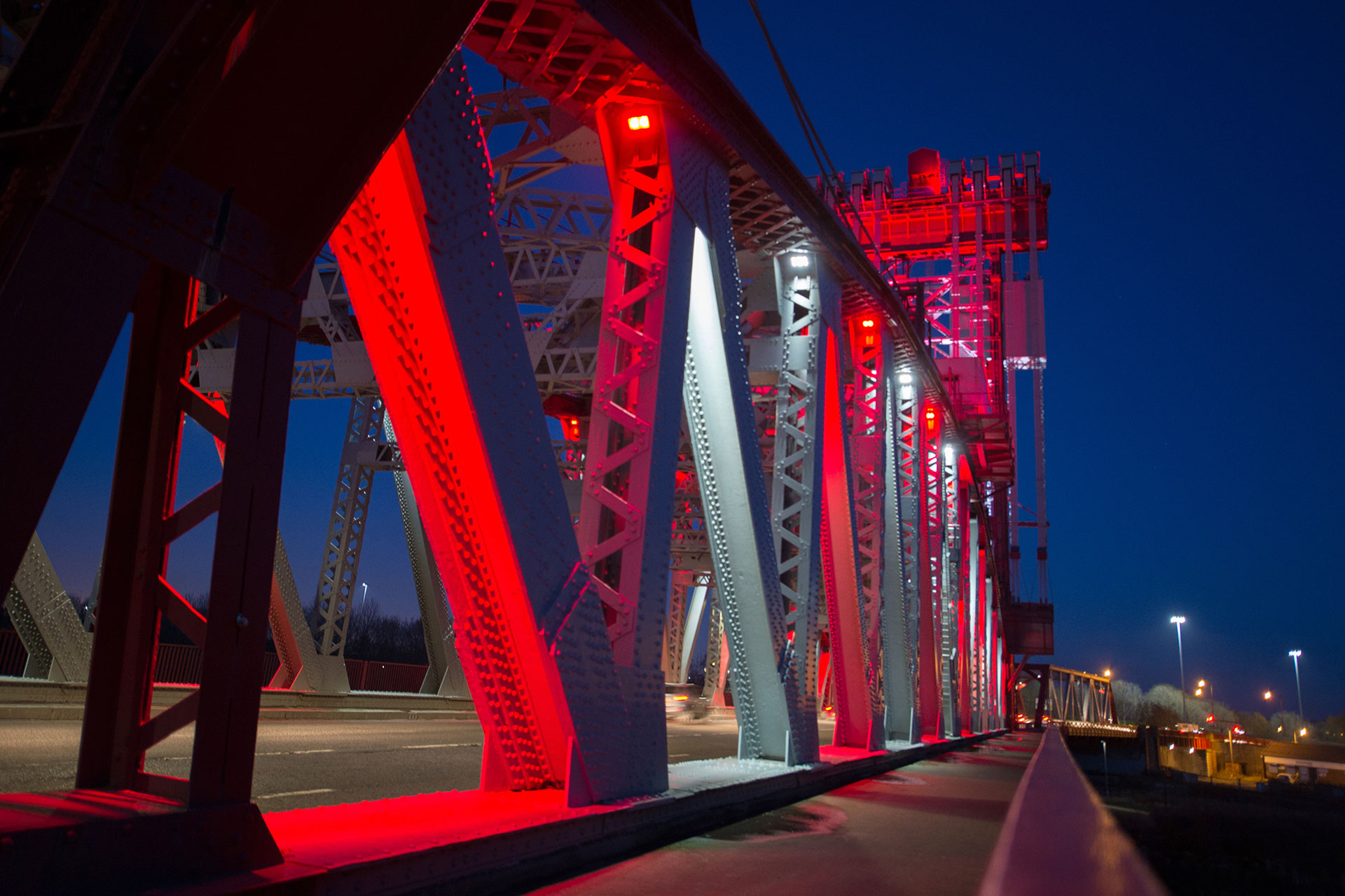 SCULPflood illuminates the bridge with no light spill to protect the local wildlifetribution compared to the other products that were tested and was much easier to install.