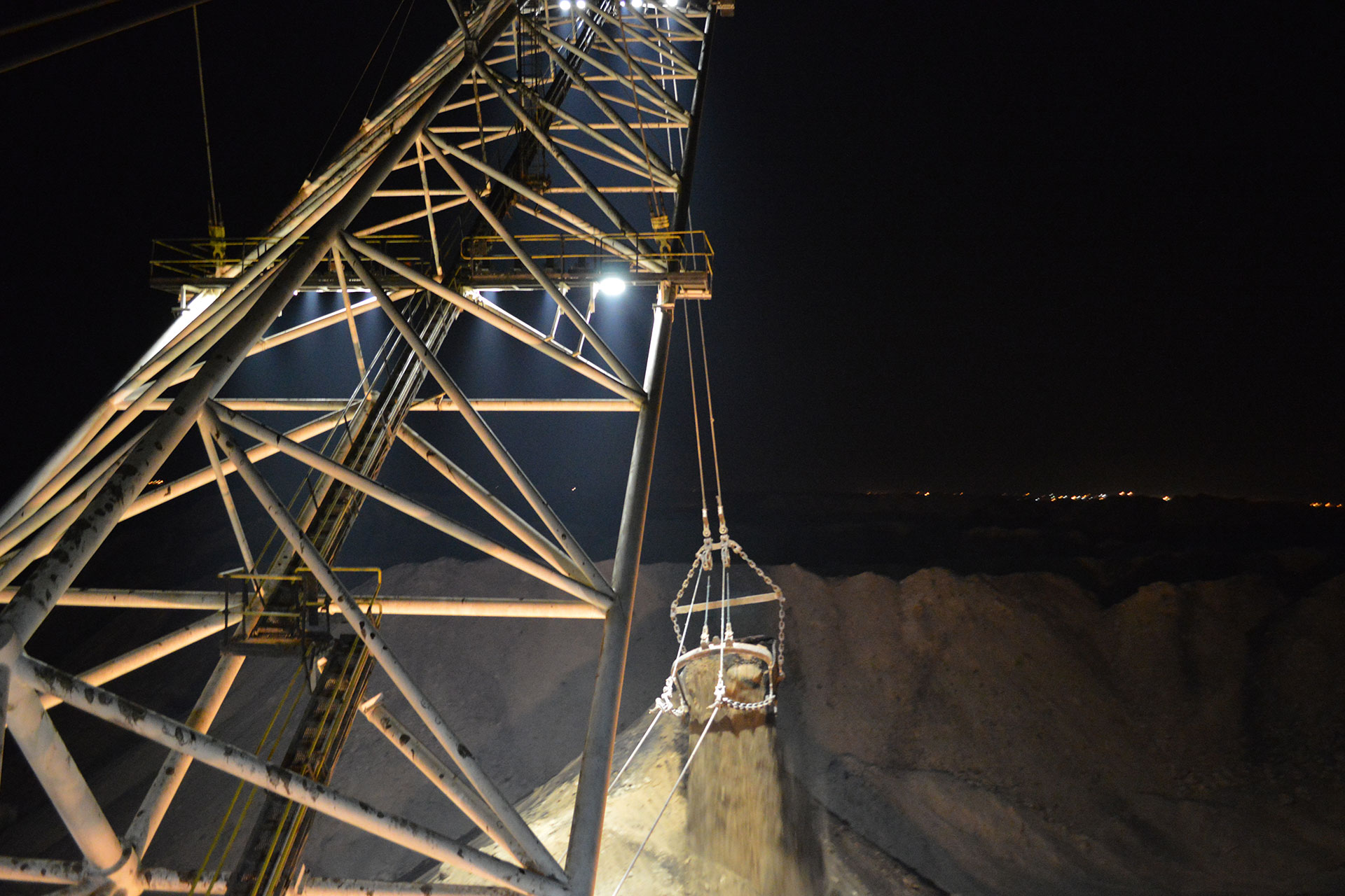 Schréder industry luminaires increase visibility to improve working conditions at this mine