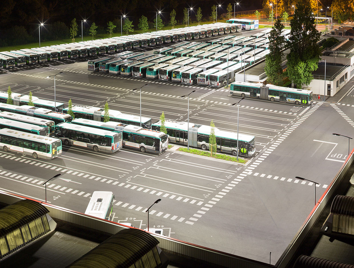 Companies like the RATP need sustainable lighting solutions for their large areas that offer a good return on investment. Schréder can do just that.